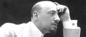 """Un intenso ritratto di Gabriele D'Annunzio, """"inventore"""" del tramezzino"""