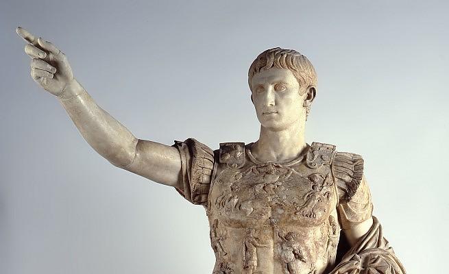 Augusto e il vizio delle minorenni vergini for Augusto roma