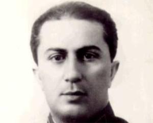 Jakov Dzugasvili, primo figlio di Stalin. Quando il giovane tentò il suicidio, il padre reagì mostrando un inaudito cinismo