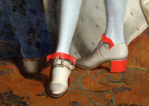 Le scarpe con tacco di Luigi XIV (particolare di un dipinto)
