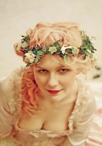 """Kirsten Dunst nei panni della regina Maria Antonietta nel film """"Marie Antoinette"""""""