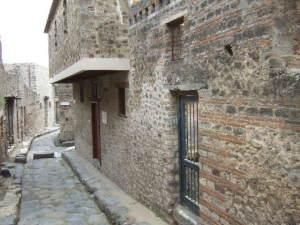 Ingresso del lupanare di Pompei