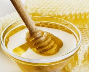Il miele è alla base di quasta antica ricetta per preparare squisite frittelle