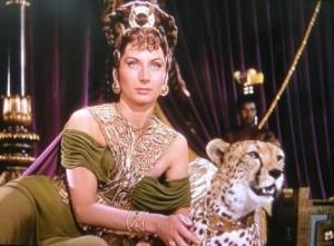 Poppea in un film. La seconda moglie di Nerone adorava il profumo del patchouli