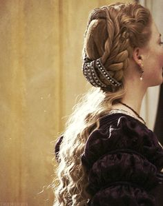 Da una fiction tv: i celebri capelli di Lucrezia Borgia