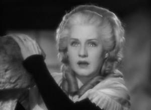 Norma Shearer interpreta Maria Antonietta nell'omonimo film del 1938