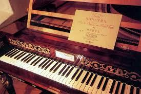 Un antico pianoforte
