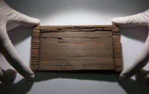 Una delle tavolette cerate ritrovate a Londra