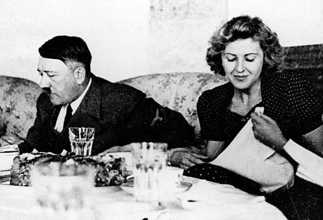 Adolf Hitler ed Eva Braun