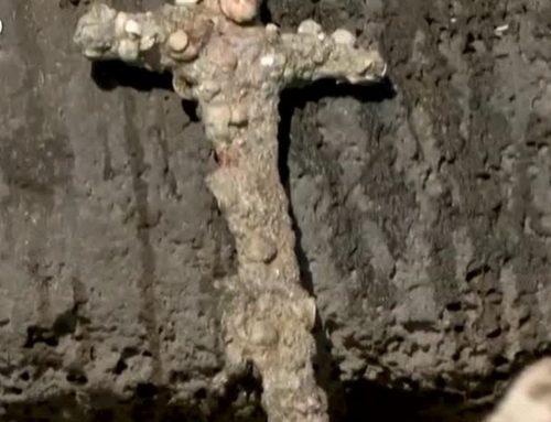 Espada de um Cruzado de 900 Anos atrás encontrado no fundo do mar